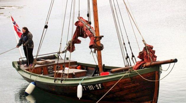 Historisk seilas i Dolmsundet med Explore Hitra og Nattseilerne